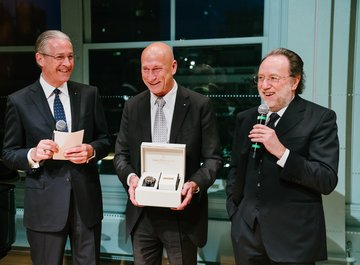 Dr. iur. Hubert Achermann (Chairman of the Board of Trustees LUCERNE FESTIVAL and the Foundation Friends of LUCERNE FESTIVAL), Ron Stoll (President Carl F. Bucherer North America) and Riccardo Chailly (Music Director of the LUCERNE FESTIVAL ORCHESTRA)