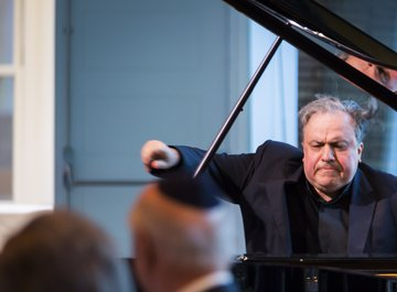 Mr. Yefim Bronfman, Pianist
