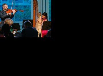 Jesus Rodolfo Rodriguez González (viola) and Mélanie Genin (harp)